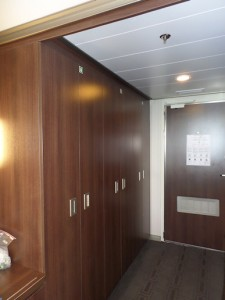 Nieuw Amsterdam SS 6080 - Closets & Entrance Door