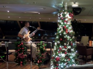 Crow's Nest Christmas Tree & Solo Guitarist Donald Waugh