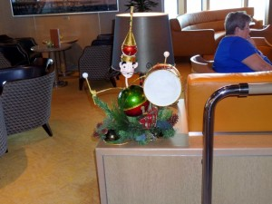 Ocean Bar Decoration (Holiday HAL Cat?)